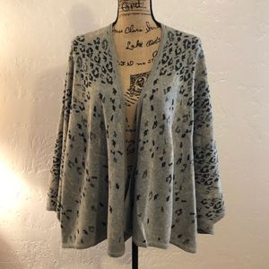 CAbi cheetah print cape, size small